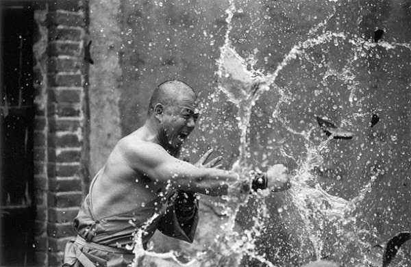Awe-Inspiring Pictures Of Shaolin Monks Training